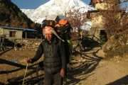 The porter en route Manaslu
