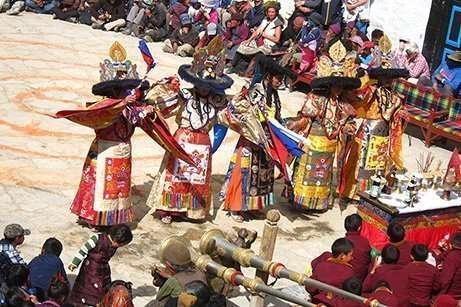 Mustang Tiji festival Trek