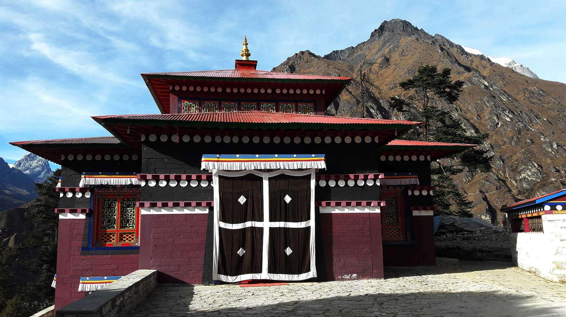 Tengboche monastery en route EBC Trek